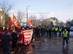 https://upload.wikimedia.org/wikipedia/commons/2/2b/NVU-demonstratie_Arnhem_2010_%282%29.jpg
