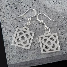 Pendientes Flor Modernista Barcelona on Etsy, 29,50 €