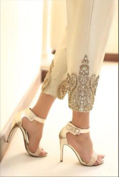 Cigarette Trousers, Cigarette Pants Pakistani, Indian Bridal Fashion, Pakistani Outfits, Pakistani Clothing, Mode Hijab, Indian Designer Wear, Mode Inspiration, Mode Style
