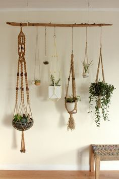 Hydroponic Gardening Ideas Hanging plants - Macrame is about knots in several patterns. Macrame is a simple art form to acquire the hang of. One specific macrame finds an owl made from twine springs to mind. Make sure to knot your yarn on th… Driftwood Planters, Diy Hanging Planter, Hanging Succulents, Indoor Hanging Baskets, Driftwood Macrame, Succulent Display, Hanging Plant Wall, Wall Planters, Succulent Planters