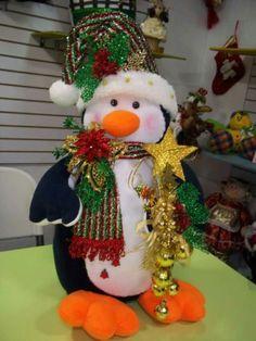 Ideas y diseños de Papa Noel para decorar en Navidad Christmas Fabric, Diy Christmas Ornaments, Christmas Wreaths, Xmas, Christmas Ideas, Christmas Centerpieces, Christmas Decorations, Holiday Decor, Decor Crafts