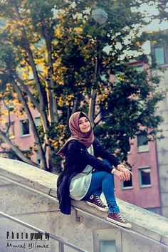 Comfy looking hijab style Hijab Outfit, Hijab Casual, Hijab Chic, Hijab Dress, Casual Outfits, Muslim Women Fashion, Islamic Fashion, Turban, Street Hijab Fashion