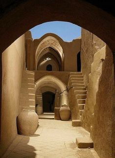 Yazd Persian Architecture, Vernacular Architecture, Ancient Architecture, Art And Architecture, Mosque Architecture, Cultural Architecture, Amazing Architecture, Iran Travel, Places To See