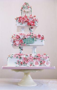 A beautiful wedding cake. Gorgeous Cakes, Pretty Cakes, Amazing Cakes, Dream Wedding, Wedding Day, Cake Wedding, Floral Wedding, How To Make Wedding Cake, Square Wedding Cakes