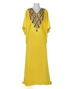 A half-sleeve elegant chiffon Kaftan embellished with unique crystal decor across the front. This kaftan is free size with a hidden waist strap inside so you can adjust the fitting as you wish. Whether you like it form fitting or loose, this kaftan will create a perfect look for any occasion.