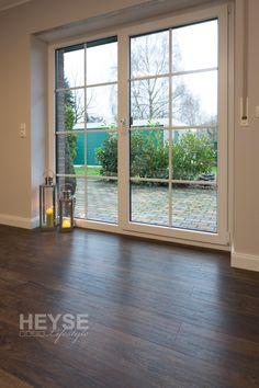 Design Bodenbelag, Fußböden in Holzoptik, Vinylboden  Sie suchen einen exklusiven Bodenbelag, der ein außergewöhnliches Ambiente schafft,  Holz-Optik-Kollektionen mit unverwechselbaren Strukturen?  Die Zeiten, in denen Bodenplatten nur bestimmte Formen erlaubt haben und nur wenig Auswahl boten, sind vorbei: Mit Design Bodenbelägen in Holzoptik eröffnen sich ganz neue kreative Freiheiten, denn hier können exklusive und attraktive Bodenbeläge individuell gestaltet werden!