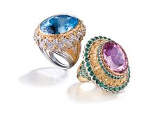 Dramatic #Buccellati cocktail rings, hypnotically attracting your attention with marvelous and glittering gems in a true feast for the eyes.