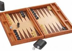 Boxed Up Backgammon Board Woodworking Plan Game Boards, Board Games, Create A Board, Walnut Veneer, Doll Furniture, Building Plans, Cnc, Woodworking Plans, Triangle