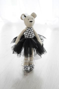 Matylda- baletnica (czarna) (sprzedawca: Lollipop), do kupienia w DecoBazaar.com
