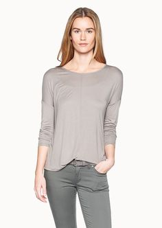 Ein besonderes Must-Have ist dieses asymmetrische, oversized geschnittene Jersey-Oberteil aus 100% Modal. Mit überschnittenem Arm und weit geschnittenen Halsausschnitt komplettiert dieses Shirt jeden Casual-Look....
