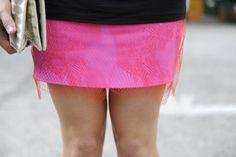 Две мини-юбки с интересными фактурами