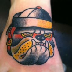 tattoo old school / traditional ink - bulldog (by Eli Falconette)