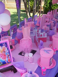 Barbie & the 12 Dancing Princesses Party by Treasures and Tiaras Kids Parties, via Flickr