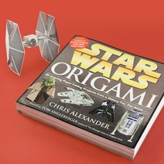 Star Wars Origami Set for my brother Ryan. he loves star wars and is great at origami Parr Star Wars Trivia, Star Wars Party, Star Wars Humor, Origami Set, Origami Yoda, Origami Folding, Origami Ideas, Star Wars Origami, Origami Stars