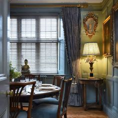 @ladyrothschildholidayhouses  on instagram - Morland Manor dog friendly holiday house Ashton Estate nr - lovely dining room