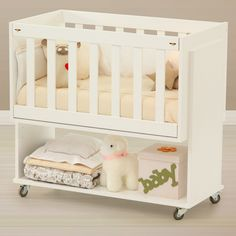 Colecho Emotiva Crib – Colecho cribs and everything you can … – Suggestions for Newborns Baby Crib Diy, Baby Doll Nursery, Baby Bassinet, Baby Bedroom, Baby Boy Rooms, Baby Cribs, Nursery Room, Baby Doll Furniture, Kids Room Furniture