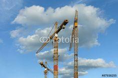 himmlischer Arbeitsplatz hoch oben in einem Kran Utility Pole, Pictures, Royalty Free Images, Crane Car, Workplace