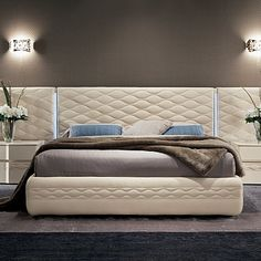 Beautiful, luxury and modern 'Chanel Inspiration'. Beautiful bed, great headboard. High quality. My Italian Living.