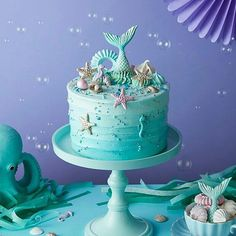 Sereiudo !! @Regranned from @peggyporschenofficial - Unicorns move aside, the Mermaids have arrived! Make waves with our latest creation - The Mermaid Cake, now available to order online #linkinbio #peggyporschen #mermaidcake #mermaidparty #birthdaycakes @littlelulubel - #regrann