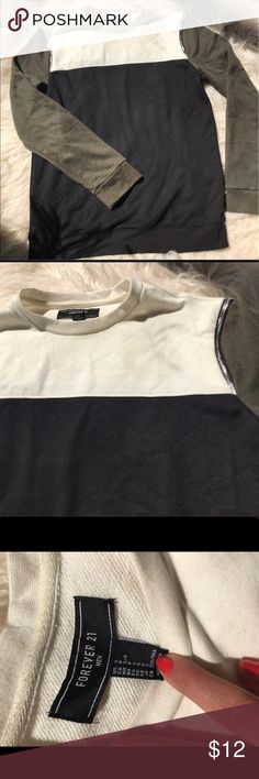 Men's Color Block Sweatshirt Never worn! Cool color block crew neck sweatshirt with accent zippers on shoulder seams Forever 21 Shirts Sweatshirts & Hoodies