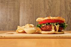 Porc Burgers aux pommes, fromage et noisettes Burger Original, Burgers, Sandwiches, Chicken, Ethnic Recipes, Pork, Apples, Cheese, Greedy People