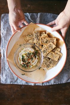 Atar spiced chickpea crackers w/ maldon sea salt dolly and oatmeal Vegan Snacks, Healthy Snacks, Vegan Recipes, Snack Recipes, Zatar Recipes, Crepes, Hummus, Garbanzo Bean Flour, Veggies