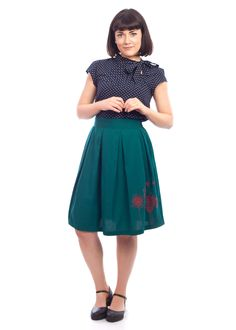 The embroidered Anita skirt from Circus Vintage Inspired Outfits, Vintage Style Outfits, Vintage Dresses, Vintage Fashion, Latest Summer Fashion, 1920s, Skater Skirt, 1950s Skirt, Summer Styles