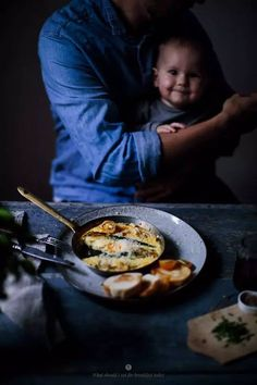 连一颗鸡蛋都不会煎,从为自己做早餐开始,她竟成为知名美食博主