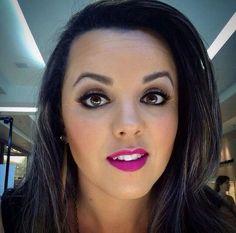 Maquiagem da consultora @josi_venturamk, do Beauty Team da NYX do Shopping ABC: linha HD na pele e contorno feito com o Matte Bronzer Dark Tan. Nos olhos, paleta Nude on Nude e nos lábios, Soft Matte Lip Cream Prague