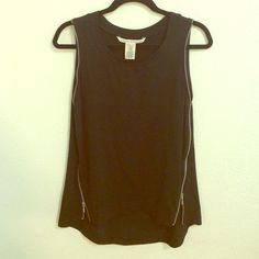 Black Rachel Roy tank top New never worn black tank top. Cute zip up style on sides and along the arms. Rachel Roy Tops Tank Tops