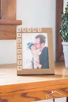 Easy Father's Day Craft Ideas - Homemade Gifts for Dad fathers day Dad DIY: Father's Day Crafts He'll Cherish Forever Homemade Fathers Day Gifts, Diy Gifts For Dad, First Fathers Day Gifts, Diy Father's Day Gifts From Daughter, Homemade Birthday Gifts, Easy Gifts, Happy Father, Father Birthday Gifts, Daddy Birthday