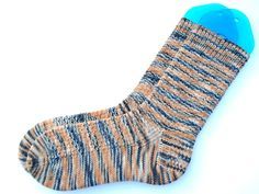 I adore knitting these super cute and fun socks. Pull the Other Thread Knitting Socks, Hand Knitting, Fun Socks, Short Socks, Circular Needles, How To Start Running, Finger Weights, Needles Sizes, Hermione