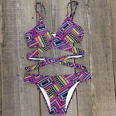 Cupshe Side by Side Abstract Bikini Set