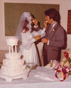 julie billy wedding 2 Vintage Wedding Photography, Vintage Wedding Photos, Wedding Dresses Photos, Vintage Bridal, Vintage Weddings, Wedding Gowns, Vintage Gowns, Vintage Pictures, Wedding Pictures