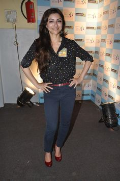 Soha Ali Khan at Her Lecture of Follow Your Heart by ITC Class. | Bollywood Cleavage