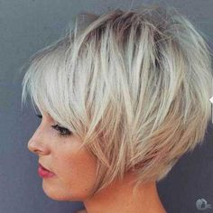 Idée Tendance Coupe & Coiffure Femme 2018 : Description New Hairstyles Short Medium-Length – Medium Hairstyles hairstyles 2018 Short-semi-long Beautiful the most likely to think that this hairstyle trends to Short Hair With Layers, Layered Hair, Short Hairstyles For Women, Cool Hairstyles, Hairstyles 2018, Hairstyle Short, Virtual Hairstyles, Hairstyles Pictures, Beautiful Hairstyles