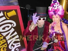 Willy Wonka themed Canape hostesses and canape hosts to hire across the UK delivering your canapes with a delicious smile and a little theatre. Chocolate World, Chocolate Box, Champagne Drinks, Candy Costumes, Little Theatre, Willy Wonka, Chocolate Factory, London Wedding, Candy Shop