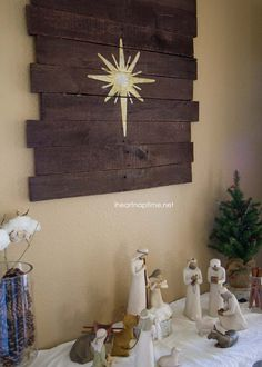 DIY pallet art tutorial and a Christmas Nativity scene Nativity Star, Diy Nativity, Christmas Nativity Scene, Christmas Art, Christmas Projects, Winter Christmas, All Things Christmas, Christmas Decorations, Nativity Scenes