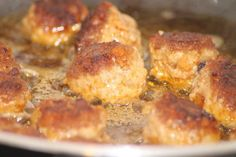 These scrumptious Italian Meatballs are a sure fire way to cut you comfort food cravings for good! Enjoy! <3 Cheers!