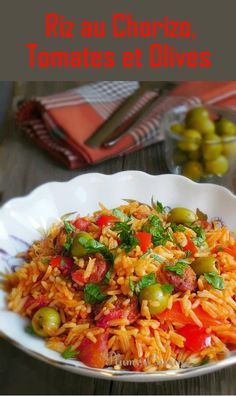 Rice with chorizo tomatoes and olives Healthy Chocolate Snacks, Healthy Snacks, Healthy Recipes, Easy Smoothie Recipes, Easy Smoothies, Plats Healthy, Olive Recipes, Pot Pasta, Recipes