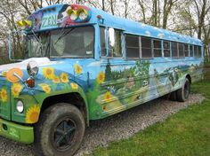 Pegasus Farm Campground, Elkins Picture: Hippie Bus - Check out TripAdvisor members' candid photos and videos of Pegasus Farm Campground School Bus House, Old School Bus, Magic School Bus, High School, Bus Remodel, Bus Living, Painted Vans, Estilo Hippy, School Bus Conversion
