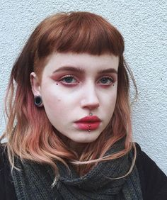 Discover recipes, home ideas, style inspiration and other ideas to try. Green Hair, Blue Hair, Hairstyles With Bangs, Pretty Hairstyles, Hair Inspo, Hair Inspiration, Mullet Hairstyle, Edgy Hair, Short Punk Hair