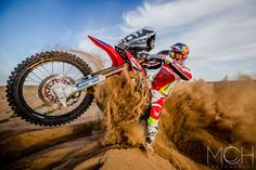 Photo taken during the pre rally shooting with HRC Honda team in Morocco Motocross, Dirt Bike Gear, Dirt Biking, Rallye Paris Dakar, Rallye Raid, Motogp Valentino Rossi, Off Road Bikes, Vw Amarok, Real Racing