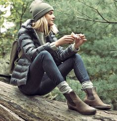 Stylish Camping Outfits- Want to go camping in style? Here are some amazing tips for making your camping trip comfortable and memorable in stylish outfits, celebrity style, hairstyles and much more. Why shouldn& you look glamorous when hiking. Fall Winter Outfits, Winter Wear, Autumn Winter Fashion, Winter Boots, Casual Winter, Winter Clothes, Mens Winter, Looks Style, Looks Cool