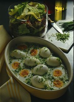 Unser beliebtes Rezept für Eier in Schnittlauchsoße und mehr als 55.000 weitere kostenlose Rezepte auf LECKER.de.