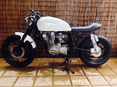 Hi All, I am attempting my first Café Build. I know I have picked the wrong bike but I have grown to like the project. Suzuki Bikes, Suzuki Cafe Racer, Cafe Racer Build, Cafe Racers, One Cafe, Brat Cafe, First Time Driver, Retro Bike, Cafe Bike