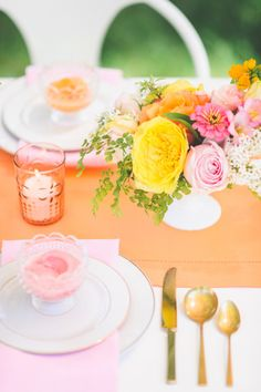 Bright love in bloom wedding inspiration: http://www.stylemepretty.com/2014/08/11/bright-love-in-bloom-wedding-inspiration/ | Photography: http://paperantler.com/