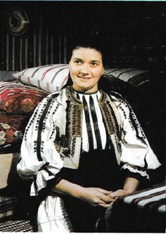 Sibiu, Transilvania Folk Costume, Costumes, Kimono Top, Popular, People, Photography, Tops, Women, Design