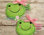 """Love this cute frog face! Would be an adorable face on a felt frog toy, pincushion, or some other felt """"frog"""" project. Baby Crafts, Felt Crafts, Fabric Crafts, Sewing Crafts, Felt Flowers, Fabric Flowers, Felt Hair Accessories, Felt Headband, Flower Headbands"""