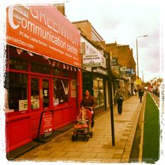 New #Bike Route Alert! Park your bikes right in front of our Shop. #greenwich #UKsummer #bikeroute #internetcafe #computerrepair